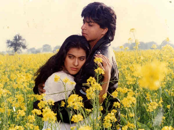 SRK Advises His Fans Not To Replicate His Scenes From KKHH & DDLJ In Real Life