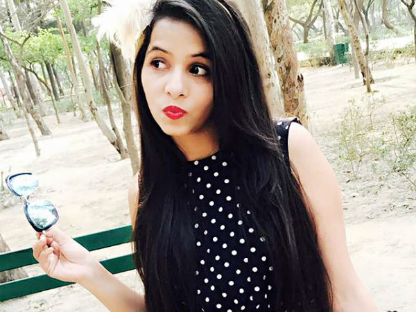 Who Is Dinchak Pooja & Why Is She So Popular?