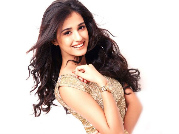 Disha On Pros & Cons Of Being A Celeb