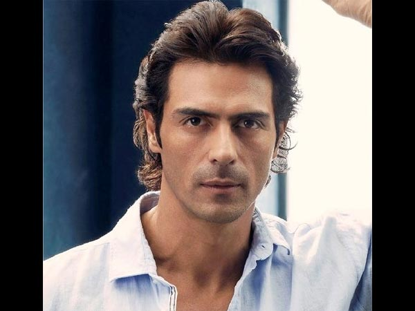 Did Arjun Rampal Really Misbehave With Fans Who Asked Him For a Selfie? Read Details