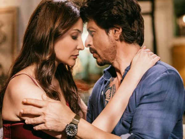 Jab Harry Met Sejal: Shahrukh Khan & Anushka Sharma Are Lost In Love In This Still From Hawayein!