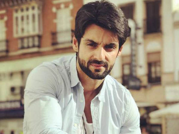 Karan Wahi Trolled For Lashing Out At Pehredaar Piya Ki's Content & Calling It Stupid!
