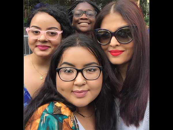 Aishwarya With Young Fans