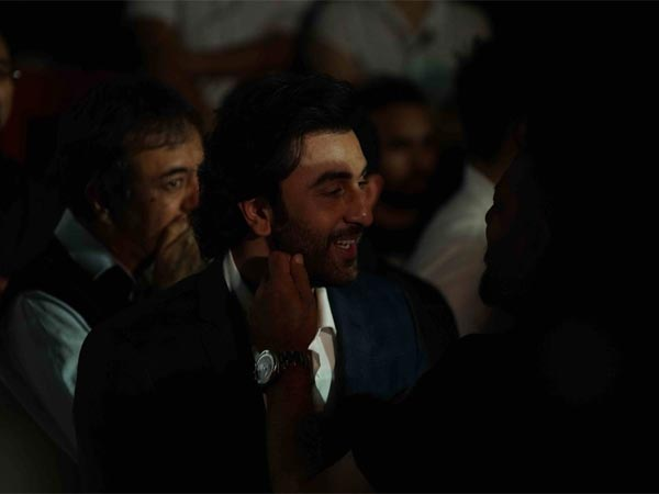 Ranbir Handles The Situation Quite Well..