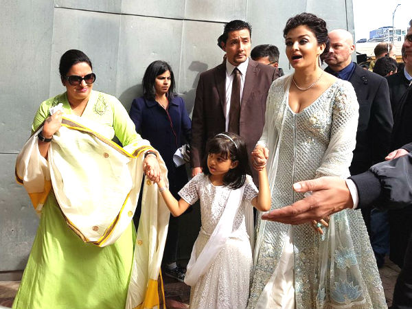 Aaradhya Looks So Pretty
