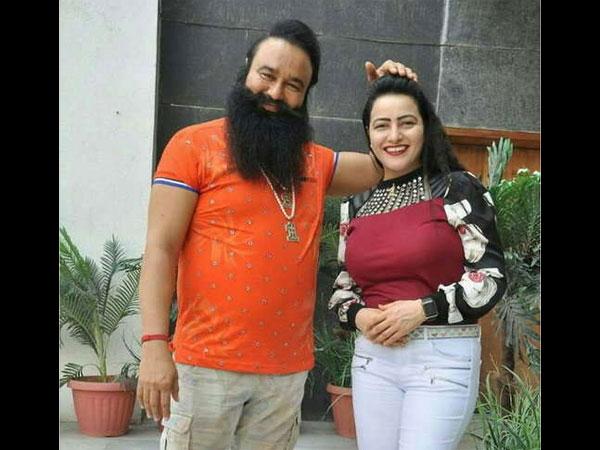 Ram Rahim Singh Caught Having Sex With Daughter Honeypreet Insaan