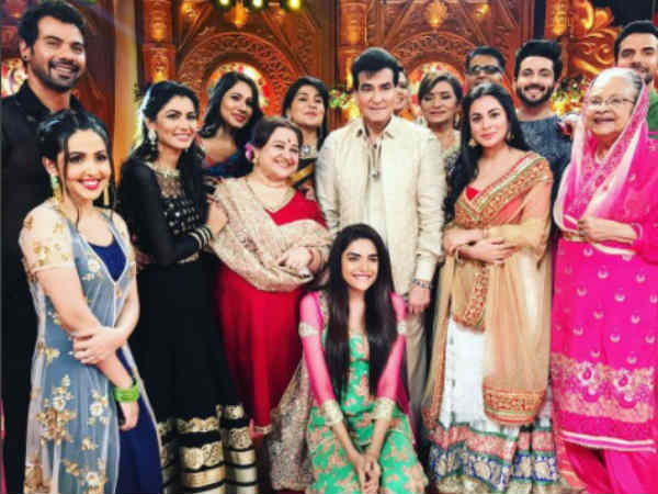 Kumkum Bhagya, Kundali Bhagya star cast come together for Ganesh Chaturthi images pictures photos