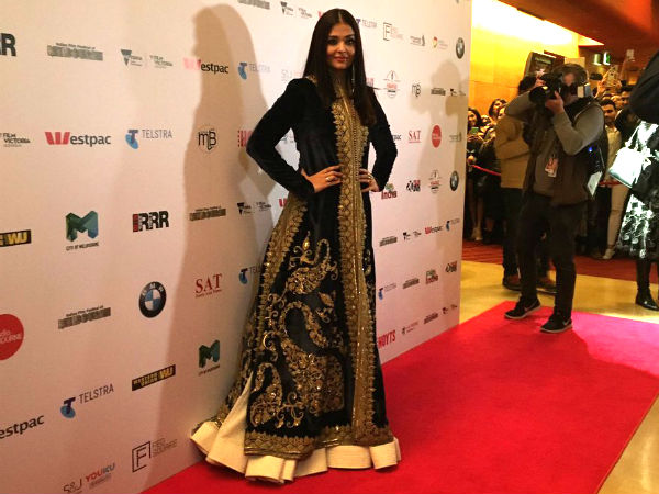aishwarya-rai-bachchan-walks-the-red-carpet-for-iffm-see-picture-as-fans-go-crazy
