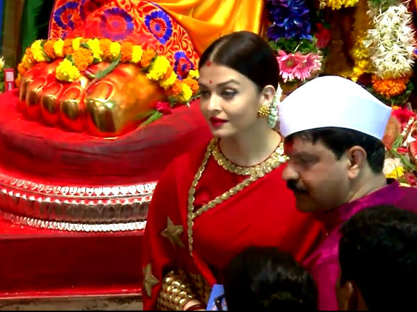Ganesh Visarjan 2017: Aishwarya Rai Bachchan looks resplendent in red saree