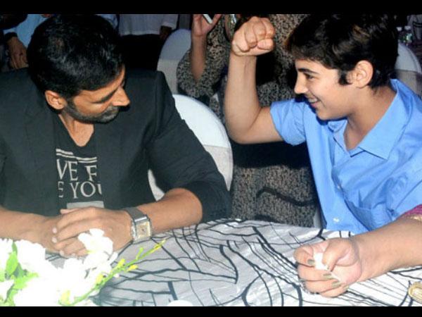 "Akshay Kumar has the sweetest birthday message for son Aarav Bhatia"""