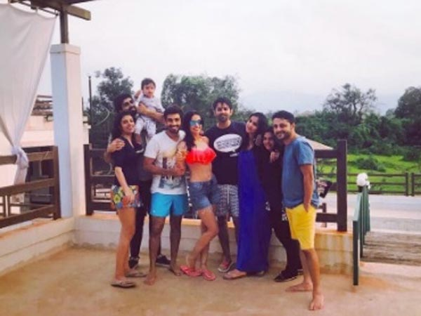 Sanaya Parties With Husband & Friends