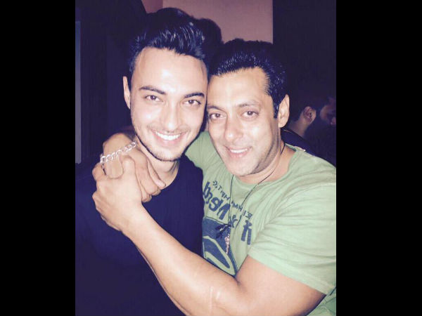 Salman Khan to launch Aayush Sharma with a love story