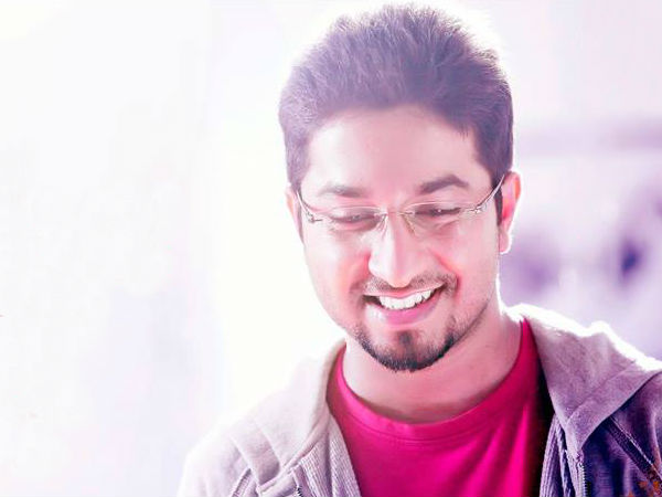 Aravindante Athithikal: Here Is An Update On Vineeth Sreenivasan's Role In The Movie!