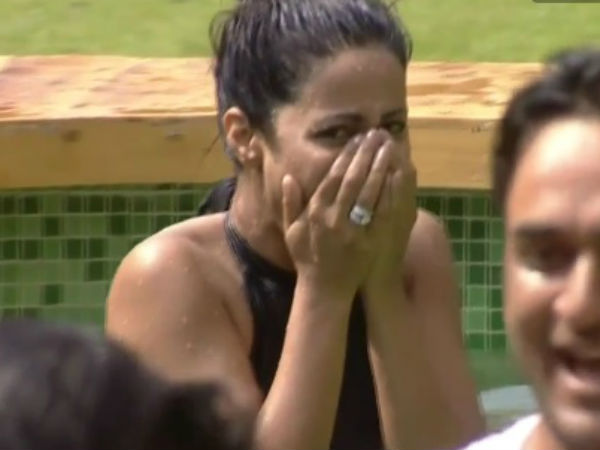 Hina Laughs At Arshi