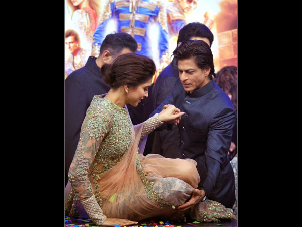 Deepika's Co-Star Shahrukh Khan Too Expressed His Concern