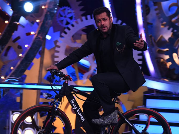 1. Salman Just Gives Indirect Message Of Fans To The Contestants