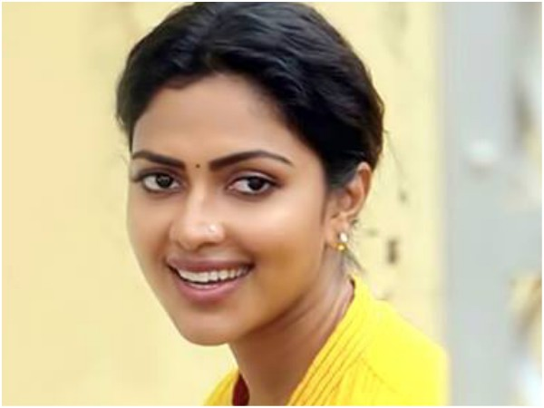 Amala Paul As Agalvilakku