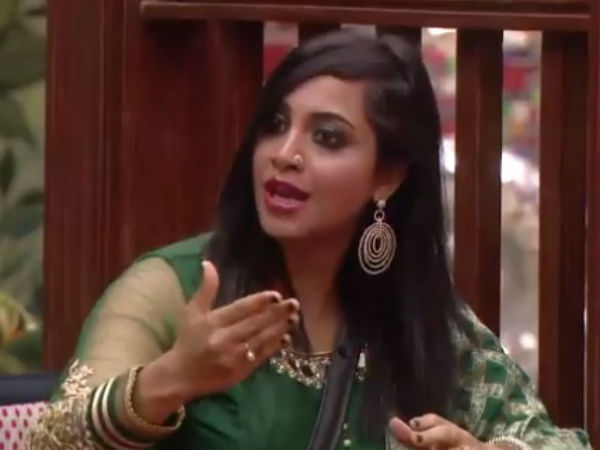 Bigg Boss 11: Arshi Khan's BIG LIE EXPOSED! Arshi's Parents REVEAL Her Age & Other Details!