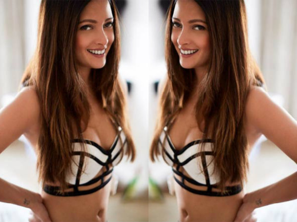 Bikini Beauty! Riya Sen Shares A Throwback Picture! Must See