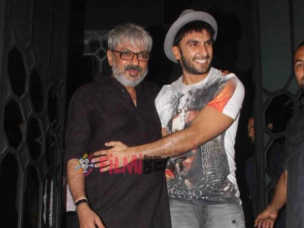 Padmavati Controversy Ka Effect! Ranveer Singh Wants To Meet Sanjay Leela Bhansali & Give Him A Hug