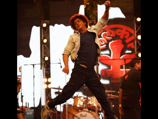 WHAATT! Shahrukh Khan Isn't Considered MANLY; Often Gets MOCKED For Being Sensitive Towards Women