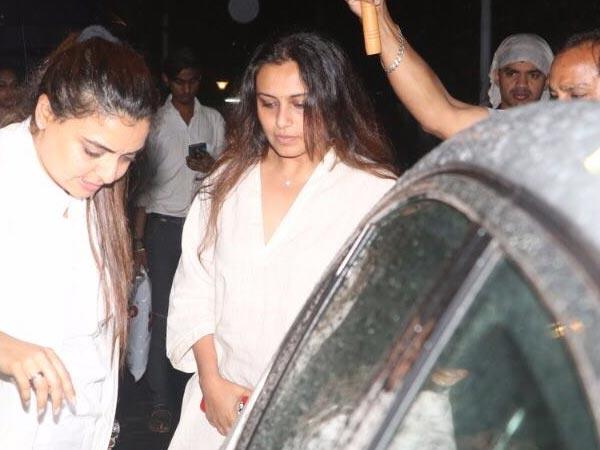 Shashi Kapoor Demise, Kareena Kapoor Gets Teary Eyed ...Vaibhavi Merchant Husband