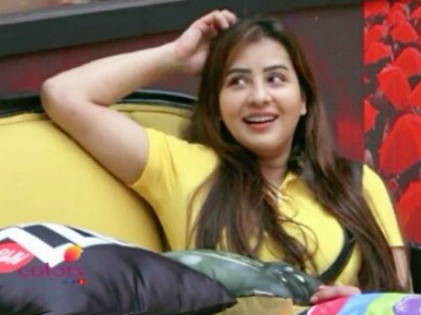 Shilpa Shinde Vs Hina Khan On Twitter