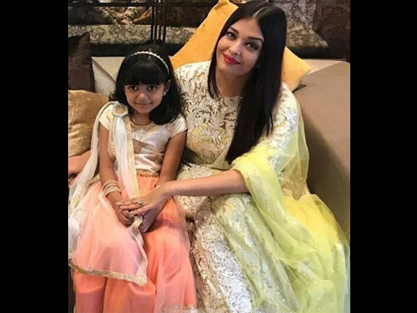 WORTH A FRAME! Aaradhya Bachchan & Aishwarya Rai Bachchan Look Adorable In Their Latest Picture