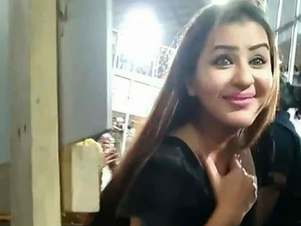 Shilpa Trusts Her Fans
