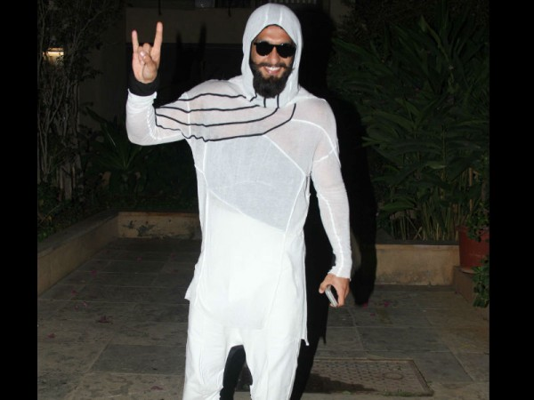 Ranveer's parents gift Deepika a diamond set?