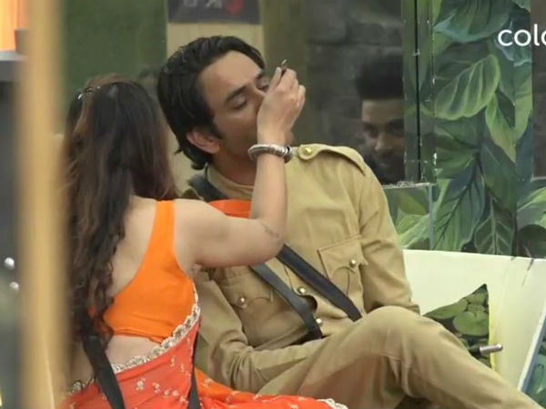 A Photograph Helps Vikas Gupta Win His Task!