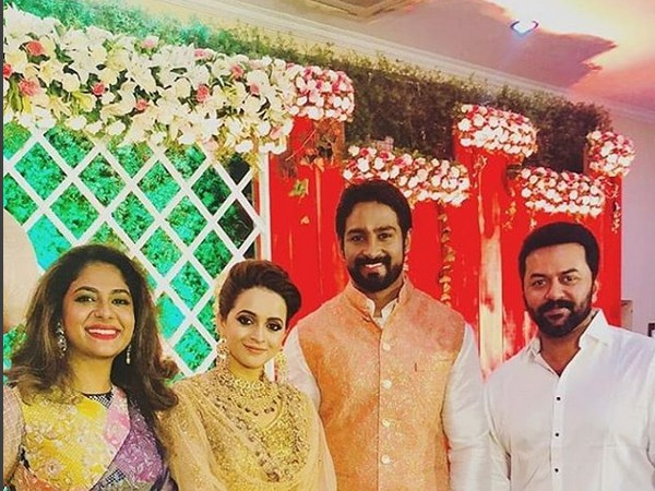indrajith poornima wedding reception photos unique