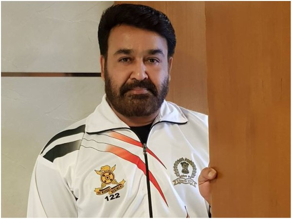 PHOTOS! Mohanlal Is Back In The Army Uniform!