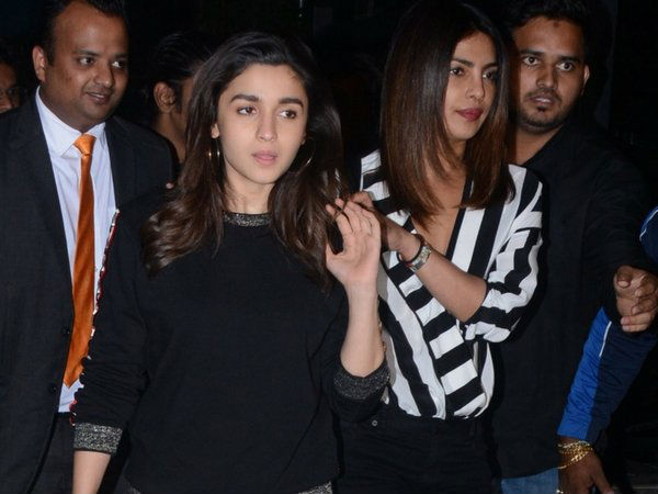 will-alia-bhatt-say-yes-to-priyanka-chopra-film-based-on-stray-dogs