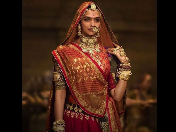 But, Sometimes Deepika Used To Pay A Visit To Ranveer On Padmaavat Sets