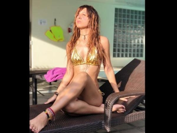 Bigg Boss 11's Benafsha Soonawala Shares HOT Bikini Picture With A Message For HATERS!