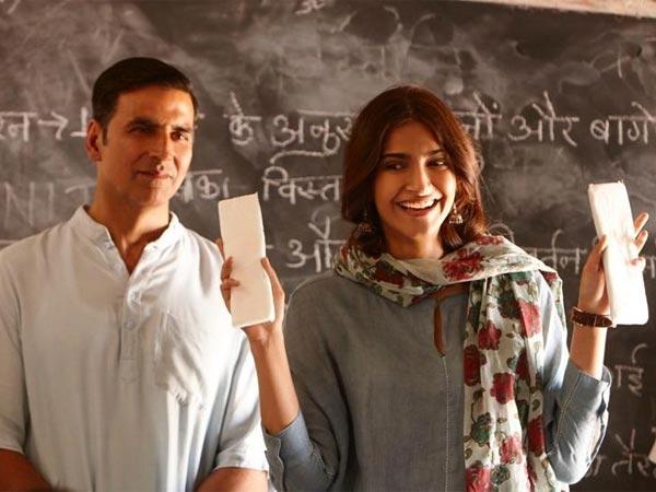 Akshay Kumar Padman Village School Shows