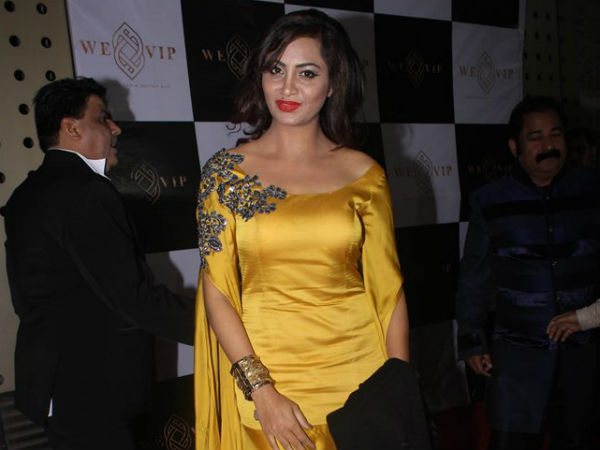 Shilpa Misses Arshi Khan's Grand Bash