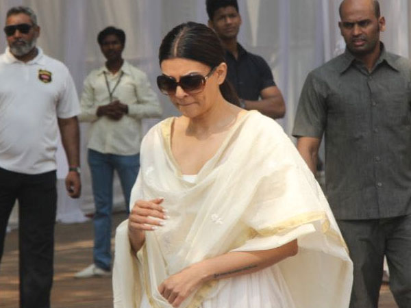 Beauty Queens pay their last respects to Sridevi