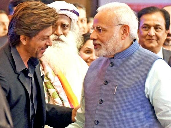 Shahrukh Khan Meets Donald Trump Jr & PM Narendra Modi At The Global Business Summit 2018