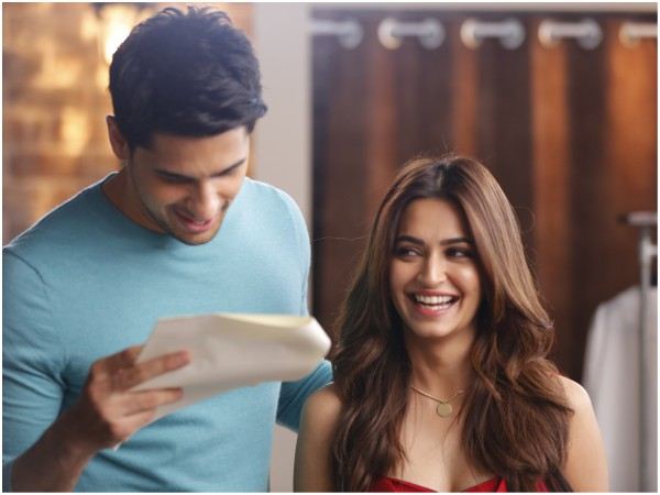 Mohit Suri & Sidharth Malhotra's Collaboration Surely Inspires Many! #OPPOF5 Sidharth Limited Editio