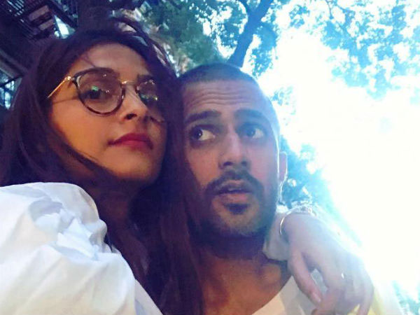 Sonam Kapoor shuts down reporter for pitting her against Deepika Padukone
