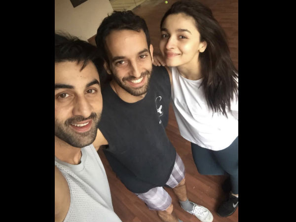 Move Over Aishwarya Rai & Katrina Kaif! Ranbir Kapoor & Alia Bhatt Send Fans In Tizzy [NEW PIC]