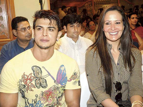 Ayesha Shroff Under The Lens Too!