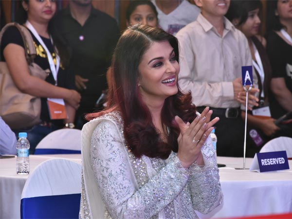 We Love Aishwarya For Her Work!