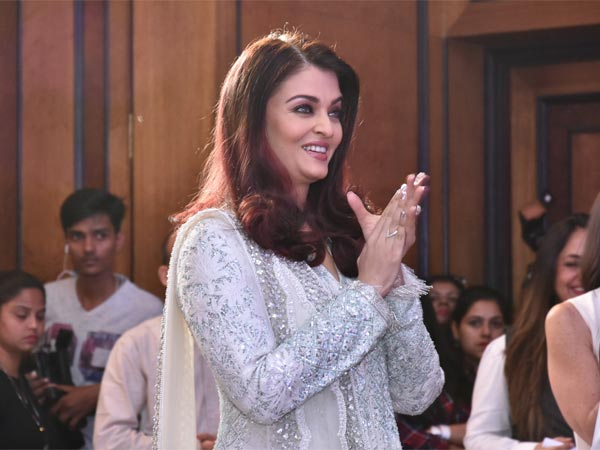 Aishwarya Is Adamant To Spread Smile As Much As She Can..