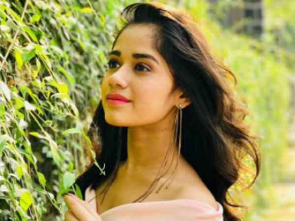 Jannat Talks About Tu Aashiqui Kissing Row