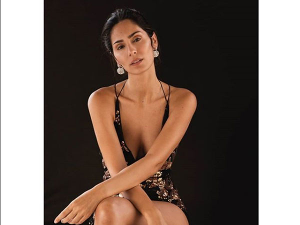 Bruna Abdullah's Hot & Sizzling Pictures. - Filmibeat