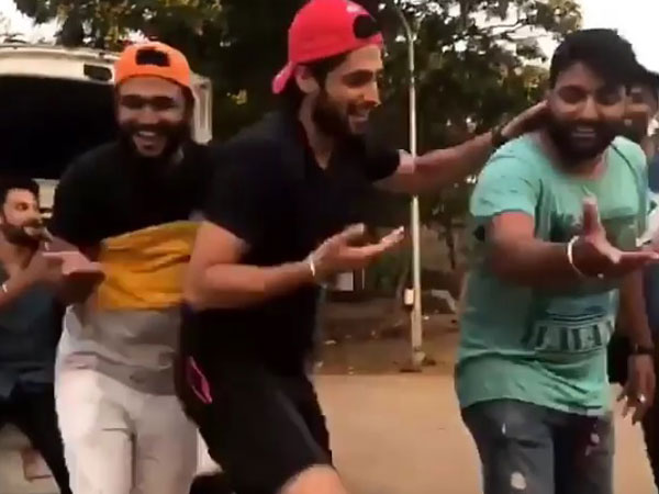 Parth Dances With His Injured Leg!