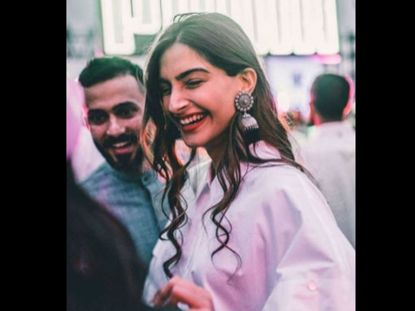 No Wedding Cards For Sonam's Wedding?